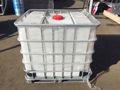Емкость кубическая 1000 литров в обрешетке с краном б/у - фото 8700